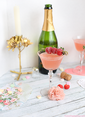 Elderflower Fizz Cocktail